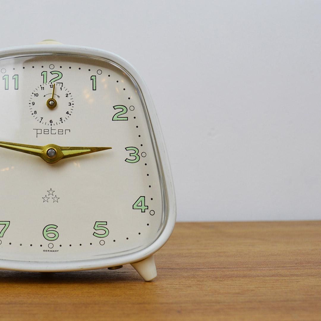Mid Century Desk Alarm Clock, PETER - Retrosexual Vintage Shop